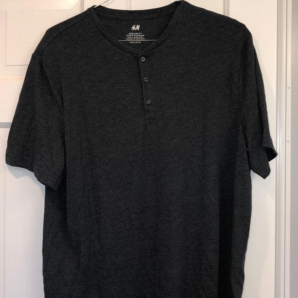 H & M T-shirt size XL